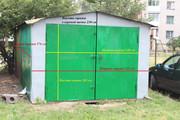металлический  гараж,  из листового железа.