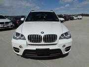 BMW X5 2011 белого цвета,  полный вариант,  движимый леди