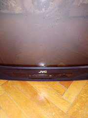 телевизор 83 диагональ JVS